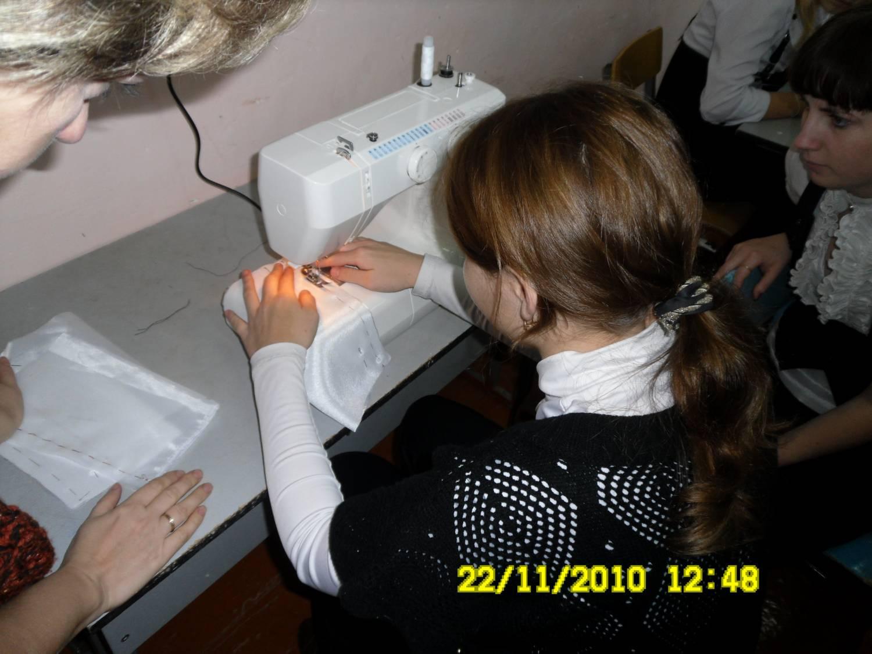 Фото девочка на уроке 1 фотография